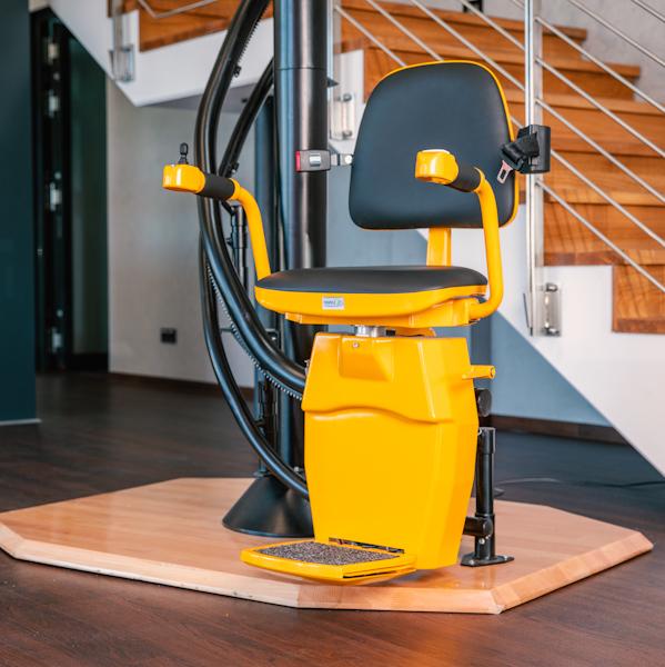 Produkte von LiftTec: Treppenstuhllift