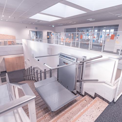 LiftTec-Referenzen-Treppenplattformlift-NMS-Freistadt-1